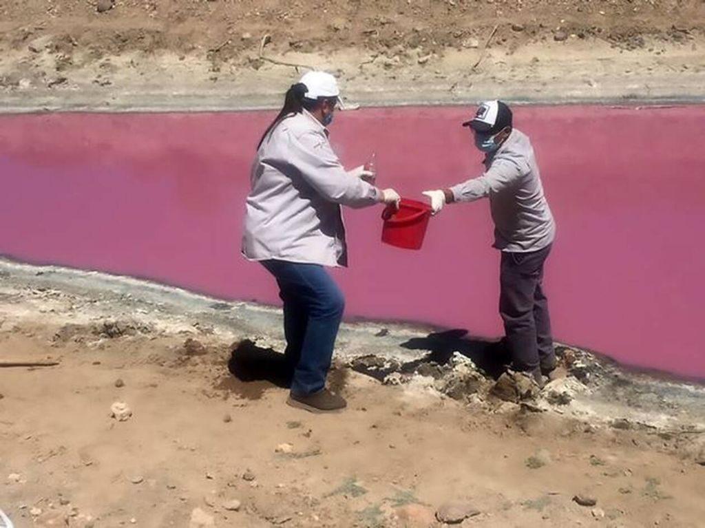 «ματωμένη» λίμνη
