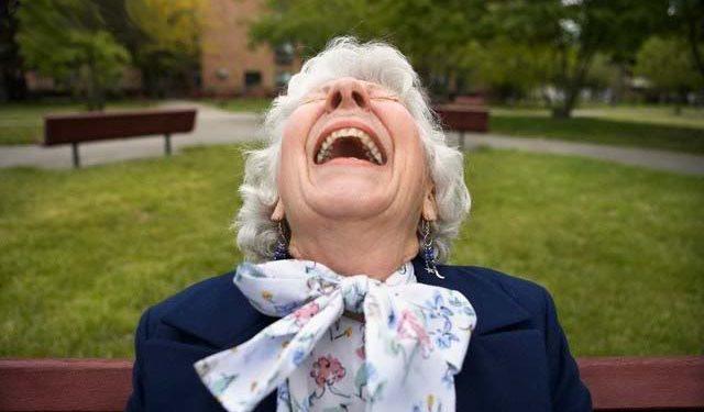89χρονη γιαγιά κατάπιε κατά λάθος τη... μαριχουάνα της εγγονής της! | ΒΙΝΤΕΟ