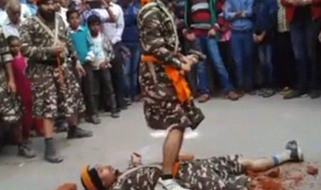 «Τυφλός» μαχητής σπάει τούβλα δίπλα σε κεφάλια συμπολεμιστών! | ΒΙΝΤΕΟ