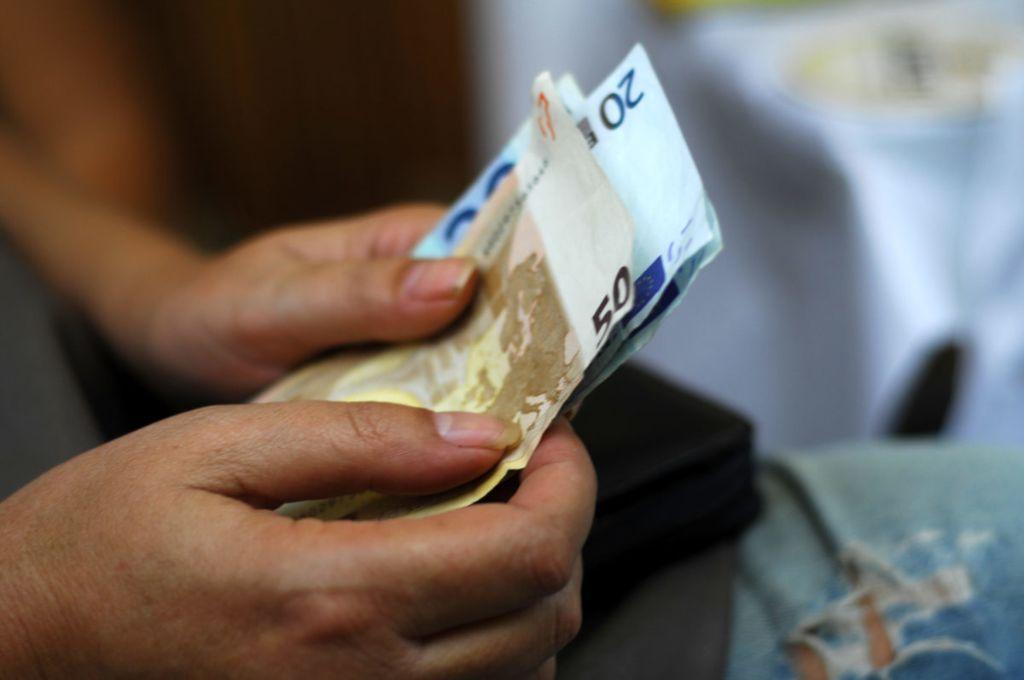 λεφτά