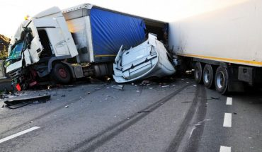 Θαύμα: Δείτε πώς βγείτε ζωντανός από το φονικό ατύχημα! | ΒΙΝΤΕΟ