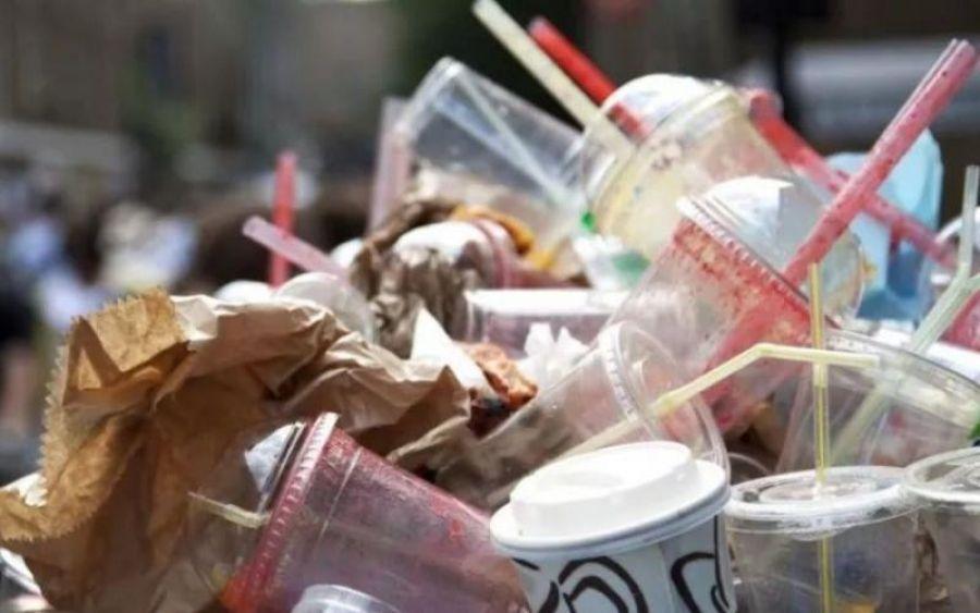 απαγορευση παραγωγης πλαστικων