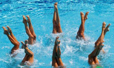συγχρονισμένη κολύμβηση