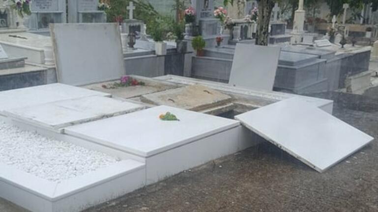 ταφος Μίκη Θεοδωρακη